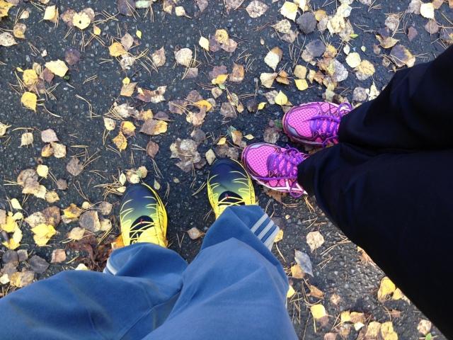 Viikonlopun lenkkien iloja ovat olleet muun muassa syksyn värikkyys ja Satuprinssin uudet testivoittajatossut.